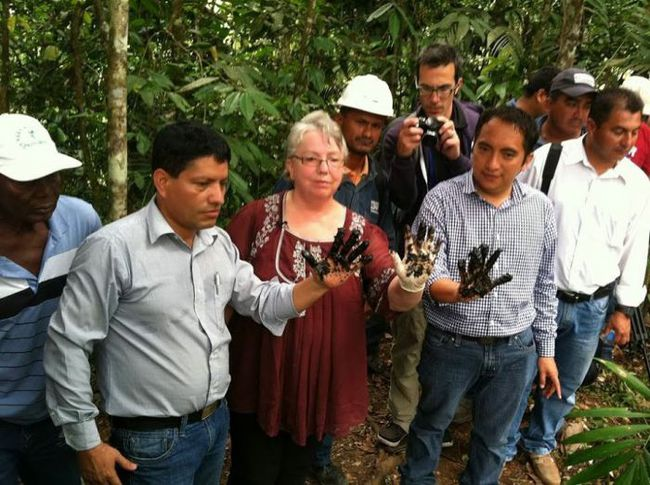 "On Doria's trip to Ecuador, 3 Mayors at one of the 880 unlined, pit dumping sites in the Ecuadorian Amazon that Chevron-Texaco said they ""cleaned"" up"