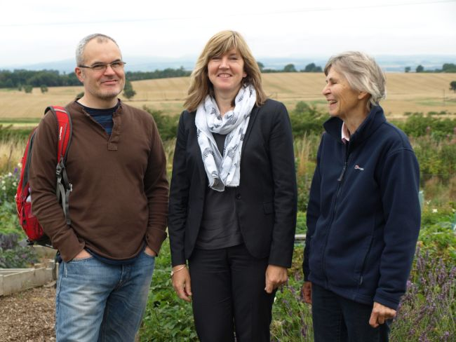 Local MSP Alison Johnstone visits the Transition Linlithgow Community Allotment. The author is on the left.