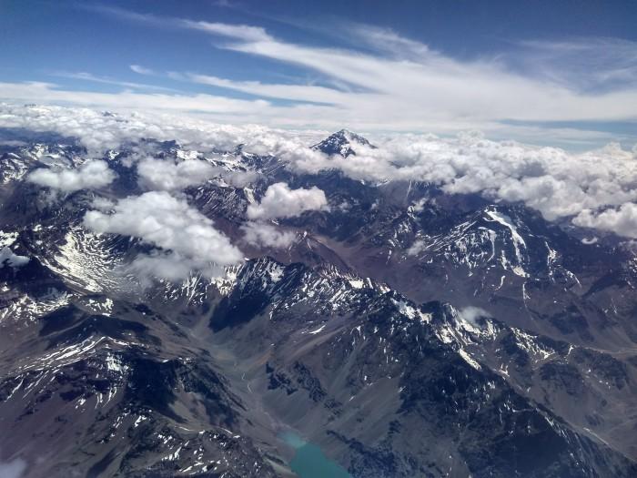 Imponente vista de la Cordillera de los Andes volando de Santiago de Chile a Mendoza (Argentina). Foto: Juan del Río