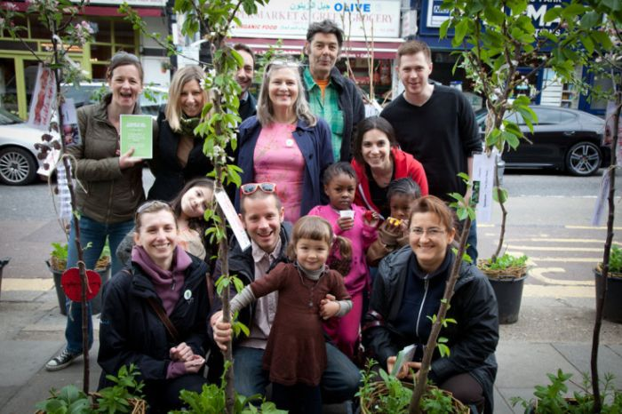 Transition Kensal to Kilburn celebrate Edible High Road