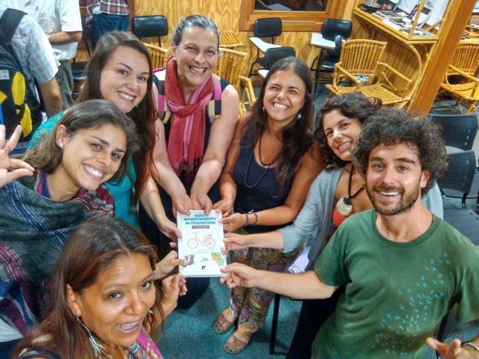 La Guía del movimiento de transición llega a Brasil. Presentación del libro en Curitiba. Foto: Juan del Río