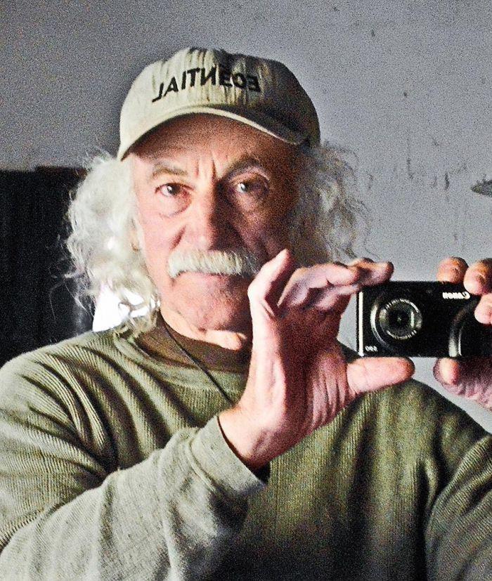 Lloyd Kahn.