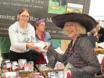The Mayor of Marlborough goes shopping at TTM's regular market.