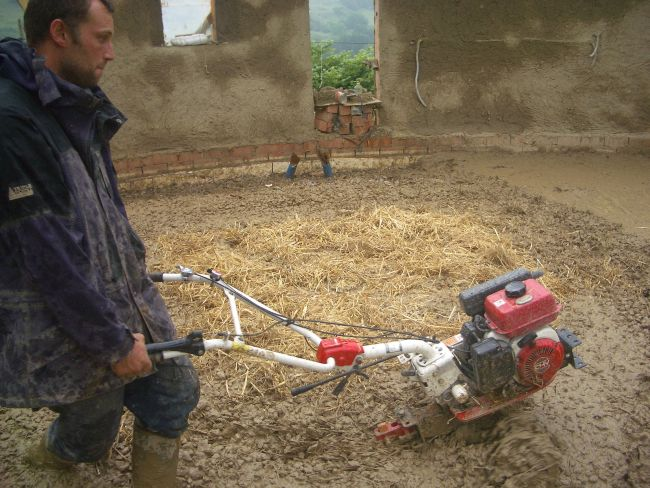 Another way of mixing cob