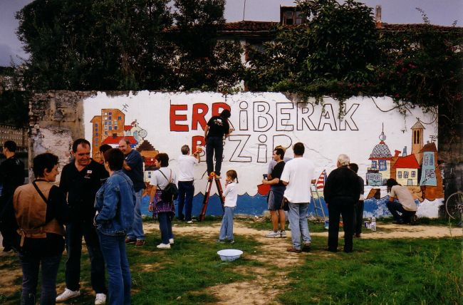 Mural painting in Zorrozaurre