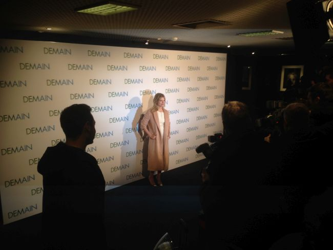 Mélanie Laurent arrives