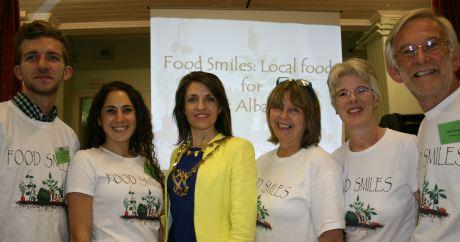 Food Smiles with Mayor