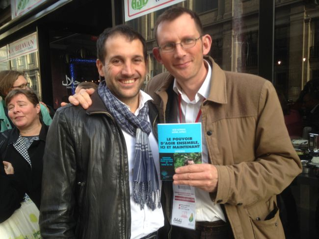 With Lionel Astruc and a copy of 'Le Pouvior d'agir ensemble, ici et maintainent', a new book about Transition and about me (in French).