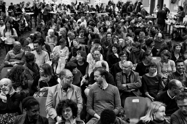 What it looks like when 450 people 'digest' a talk with their neighbour. Luxembourg, March 2015. Photo: Carole Reckinger.