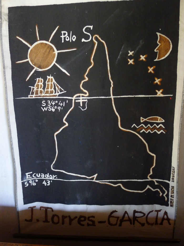 América Invertida – Conocido dibujo del pintor uruguayo Joaquín Torres García. Foto: Juan del Río
