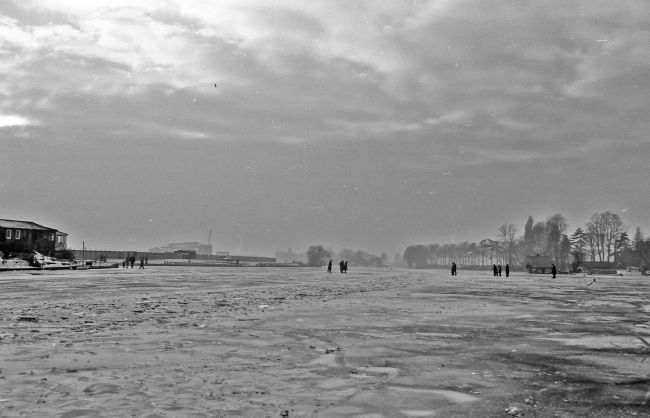 Frozen River Thames 1963.