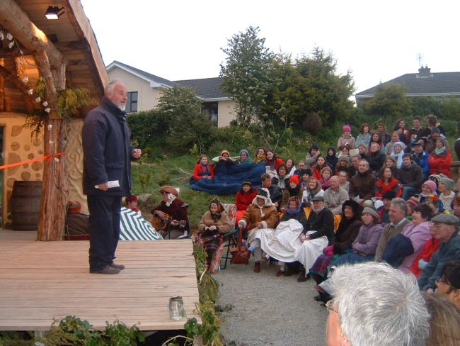 John Thuellier welcomes the audience to the first performance in the amphitheatre. May 2005.