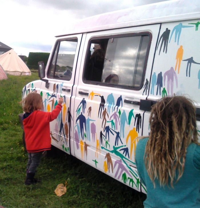 My daughter Indie helping decorate a fellow PDC'ers bus – it was great seeing my children getting involved on the course.